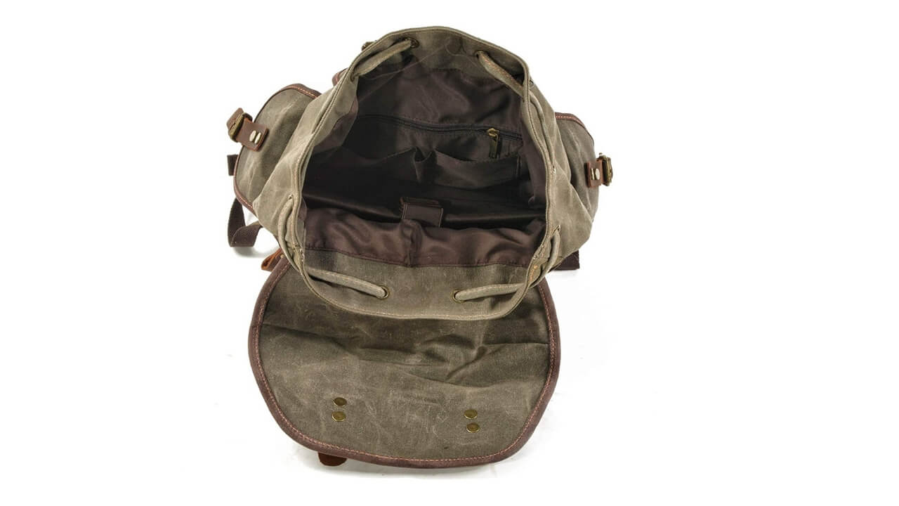 Wuden-Rucksacks-Compartments