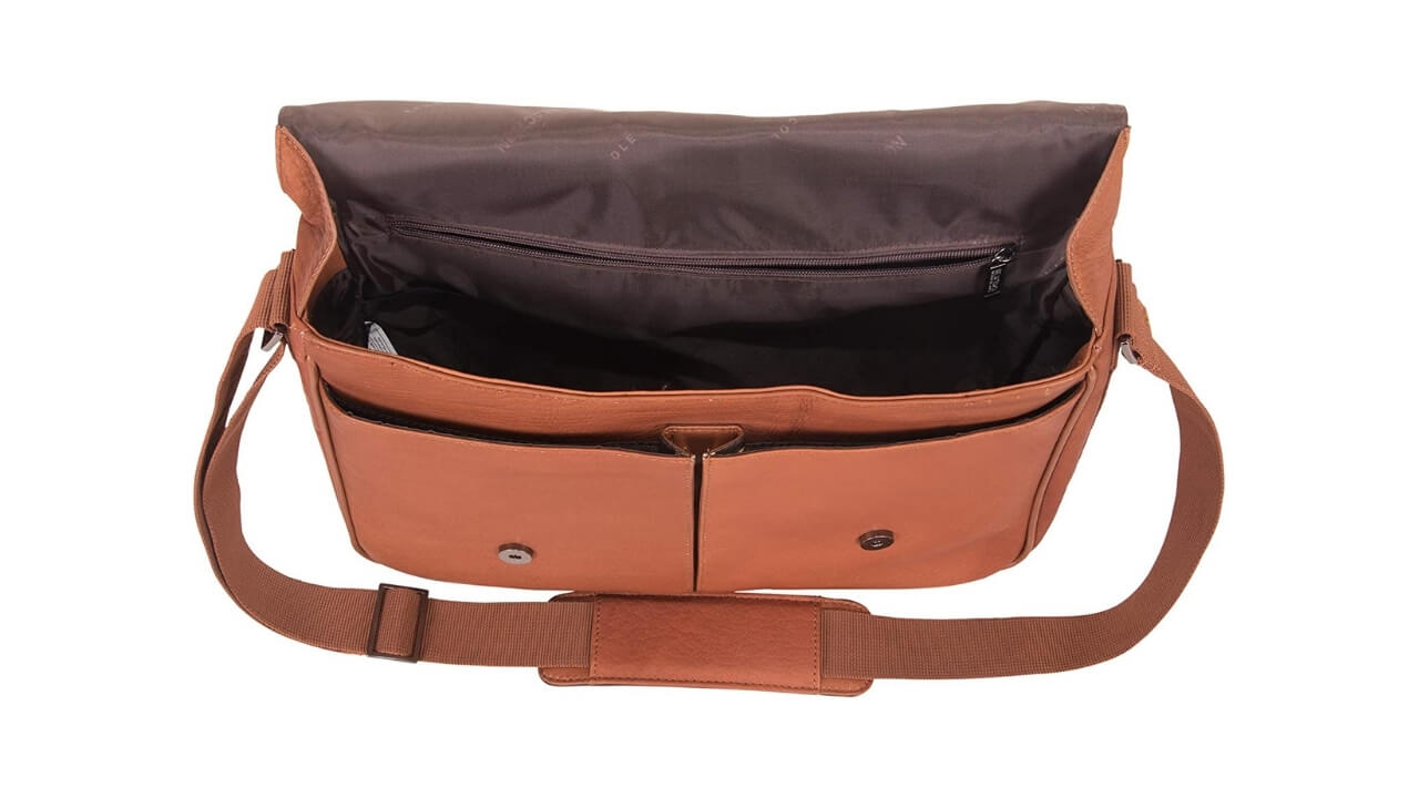 Kenneth Cole Reaction Messenger Bag